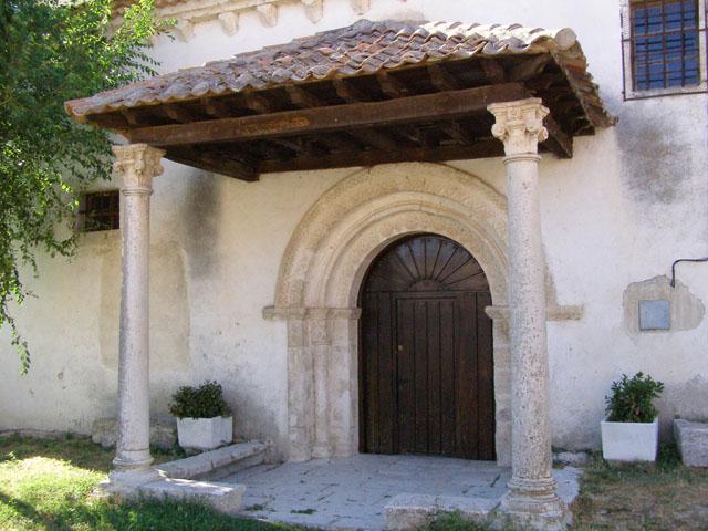 Resultado de imagen de Cozuelos de Fuentidueña iglesia portada